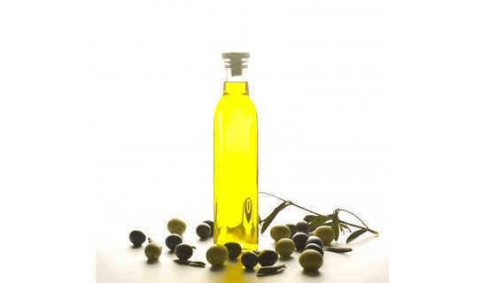 L'olio d'oliva, contiene grassi monoinsaturi