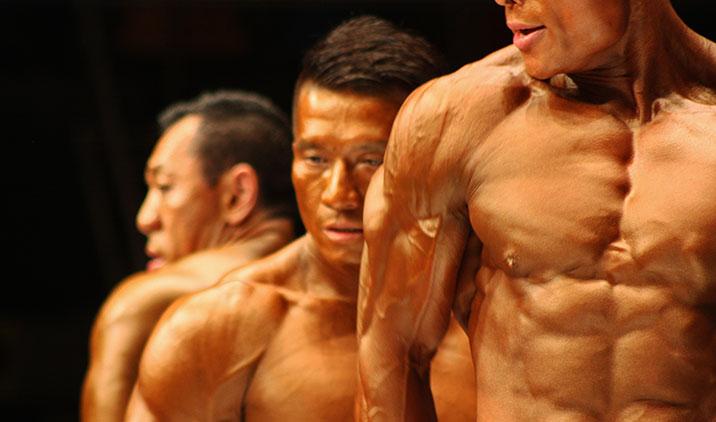 La dieta iperproteica migliora la definizione muscolare abbassando la percentuale di massa grassa